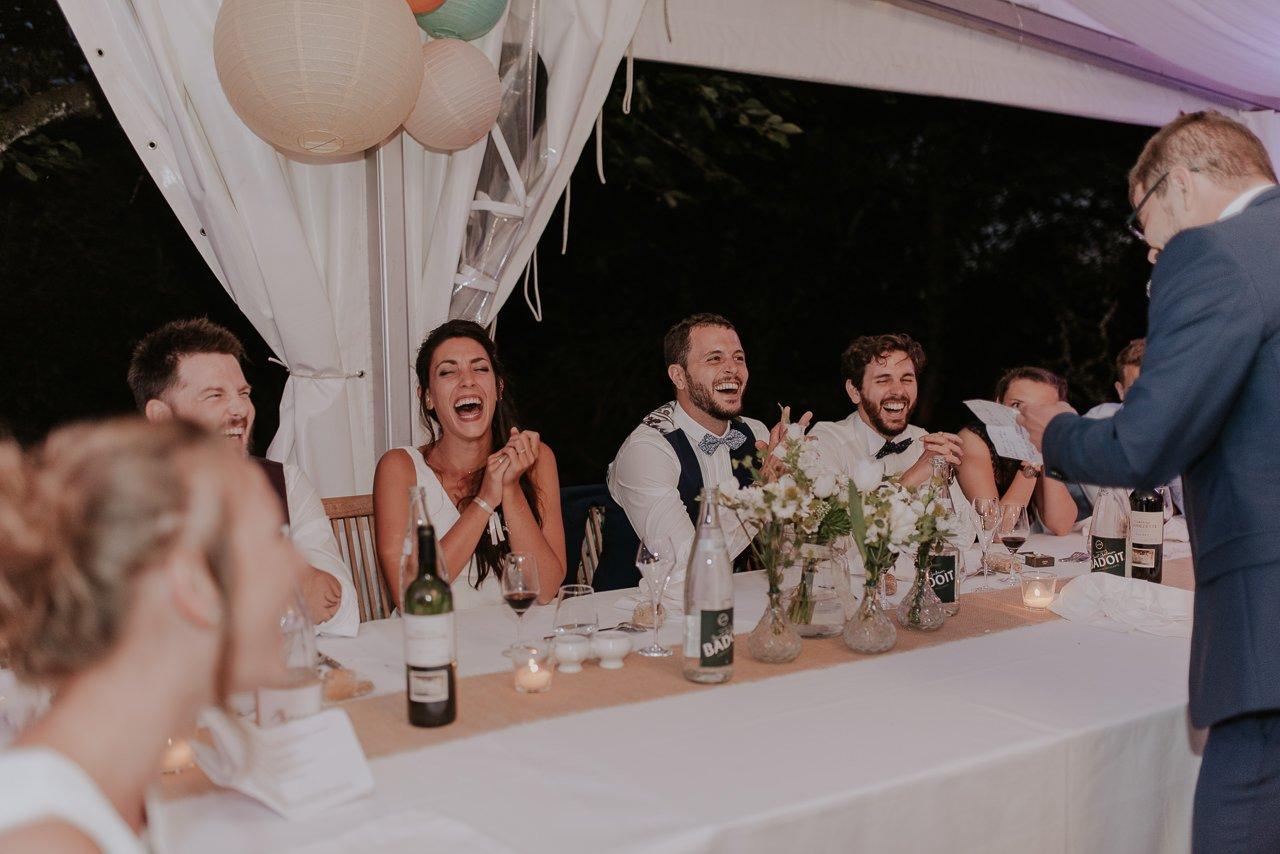 fotógrafos de novios felices